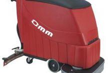 Lavapavimenti / Gamma di lavasciuga pavimenti, a cavo e a batteria. Macchine professionali ideali per ogni tipo di impiego. Per ogni macchina è possibile scaricare la scheda tecnica cliccando sul link http://www.bilioshop.com/shop/40-lavapavimenti