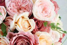 rosarium(ロザリウム)wedding bouquets&items / フラワーデザイナー 宮崎惠美子さんによる作品です。