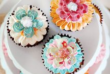 Cupcakes / by Carole Boucher