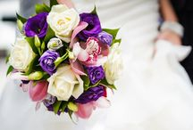 Wedding Flowers / We provide wedding flowers and wedding bouquets in Toronto. Talk to our consultants about the different arrangements, colours, and sizes of wedding flowers.