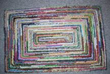 locker hook rugs / by Lisa Curnutt