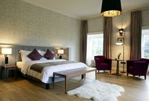 Bedrooms and Suites / Offering some of the finest Cavan luxury hotel rooms, the hotel's 12 junior & executive suites bring the outdoors in, with countryside views seamlessly blending patterns and colours that echo the natural tones of the estate gardens and grounds.   The modern wing in the Radisson Blu Farnham Estate Hotel has 146 wonderfully comfortable and tasteful contemporary standard rooms, spread over three floors.