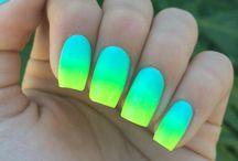 Neon körmök