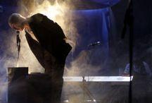 Andersen Festival 2011 / Andersen Festival 2011, 14° anno, Sestri Levante 26-29 maggio 2011. 30 compagnie 100 appuntamenti. Presenze circa 70.000. Compagnie internazionali da 9 paesi. Artisti:  Funny Bones (Gran Bretagna-Giappone), Maurizio Maggiani, Mercedes Martini, Simone Cristicchi, Dado (Canada), Paolo Hendel, Riondino &Amp; Vergassola, Cie Circocentrique (belgio) Tiziano Scarpa con i Marlene Kuntz, Compagnie In-Senso (Francia), La seconda edizione della maratona di racconti, Oskar &Amp; Strudel (Australia)