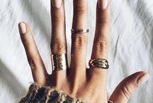 WEAR •• Hands & rings
