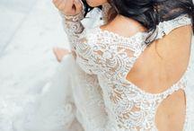 Dramatic Backs / Wedding dresses with dramatic backs
