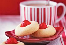 Christmas and Holiday Eats & Treats / by Brenda Armstrong