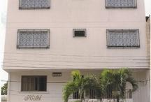 Hotel Casa Pablo de la ciudad de Neiva,Huila - Colombia / Este exclusivo hotel, ubicado en una de las zonas más tranquilas de la ciudad a pocas cuadras del centro y del comercio ofrece a sus huéspedes una atención cálida y personalizada .  Cuenta con wi-fi, salón VIP, terraza, parqueadero, alquiler de trajes, lavandería, protección con un sistema electrónico de alarmas y cámaras para su total seguridad y dotada con equipos de alta calidad en cada una de sus 32 habitaciones.