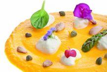 Insolite carote / Le carote sono tra gli ortaggi maggiormente utilizzati in cucina. Ricche di sapore, assieme ad altri ingredienti, consentono la realizzazione di ricette gustose sia salate che dolci.