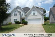 Wonderful #homeforsale in Davis Ridge subdivision w/ spacious floorplan. /  More to offer like Large kitchen, formal dining and a large bonus room . Book to view this property at 5720 Falls Ridge Lane, Charlotte NC 28269 by calling #ShowcaseRealty at 704.997.3794 #NCRealtors For more photos and details on this home, visit: http://bit.ly/2kD55NQ