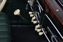 Oldtimers Classic Car / Wszystkie eleganckie, wzbudzające podziw oraz zaokrąglone i lśniące maszyny!