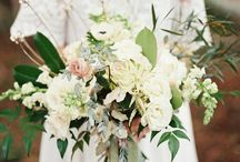 Chic Vintage Wedding Bouquets / Beautiful bridal and bridesmaids bouquets for the vintage loving bride..... / by Chic Vintage Brides