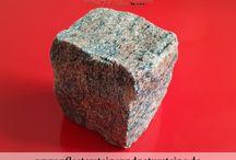 Schwedische Pflastersteine / Würfel...schwedische Natursteine...aus Granit...Granit-Pflaster / Schwedische Pflastersteine (schwedische Natursteine…) fühlen sich neben deutschen, polnischen… Steinen gut in unserer Klimazone… Die sind auch wunderschön und funktional… Die kennen: Frost, Schnee, Nässe… Die werden hart, wenn der Winter kommt… Brauchen Sie solche Steine?