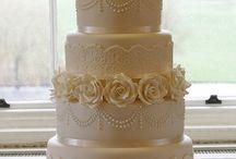 Ivory wedding ideas / Wedding ideas with an ivory theme www.confetti-cones.co.uk