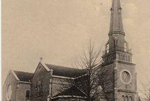 Kerken in Baarn / Hier vindt je diverse kerken in Baarn. Voor de Pauluskerk op de Brink is een apart bord.