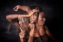 """Mostra fotografica """"Turn off the light - Ritratti al buio"""" / Il progetto """"Turn off the light"""" è un percorso artistico-creativo intrapreso dal fotografo Andrea Piovesan per raccontare la bellezza attraverso il volto delle donne. Età, condizione sociale, provenienza, stati d'animo ed etnie diverse si riflettono su volti di donna, sulla loro pelle, nei loro occhi."""