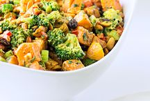 Curry Sweet Potato with Broccoli and Cashews