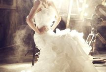 Edgy bridal poses - fashion