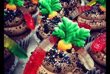 Cupcakes / by Elaine Henderson
