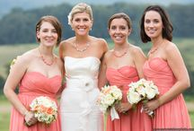 Bridesmaids Dresses Photo Ideas / Just Brides and their Maids!  All the Bridesmaids together, or just some of them.  With the Bride, and without the Bride.  With the groom / groomsman, and without.  Cute ideas for colors, themes, hair, makeup and even Bridesmaids gifts!  Trendy and Classic style bridesmaids dresses.  With bouquets and without! Adorable photo ideas for your girls! #bridesmaids #bridesmaidshairmakeup #bridesmaidslooks #bridesmaiddresses #bridesmaidsphotos #bridesmaidsstyles #weddingpartyphotos