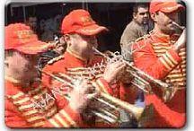 Kiralık Bando Takımı / kiralık bando takımı kiralama günümüzde 23 nisan etkinlikleri, 19 mayıs organizasyonları gibi ulusal organizasyonlarda kullanılmaktadır. Bu bando takımı kullanımı yanı sıra banka ve kurumsal açılışlarda da bando takımı kiralanabilir. Ayrıca bizim yıllrdır şahit olduğumuz evlilik teklifleri gibi sürprizlerde de bando takımı kullanılmaktadır. Fasıl grubu ise düğün eğlenceleri, ramazan eğlenceleri, sürpriz doğum günü partileri gibi organizasyonlarda kullanılmaktadır.