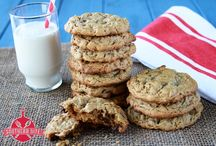 gluten free cupcakes ,cakes & cookies / by Laurie Person