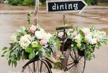 Jolies signalisations / Une sélection des plus beaux panneaux de direction pour votre mariage.