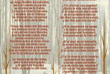 Gotas de poesía / Infografías de poemas creados con el programa Piktochart por el blog La imprenta de Clío.