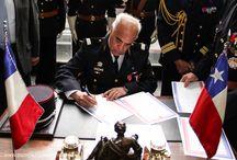 """Cuarta Compañía CBS firmó el """"Jumelage"""" / Este domingo 4 de octubre, la Cuarta Compañía del Cuerpo de Bomberos de Santiago (CBS), efectuó la ceremonia donde firmó el Acuerdo de Hermandad (Jumelage) con la Brigade de Sapeurs Pompiers de París."""