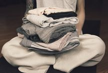 minimalist style / Inspiration and guidance for dressing in a way that's uncomplicated. Check it out if you're interested in minimalism, minimalist living, slow living, simple life, minimalist style, sustainable style, ethical style, capsule wardrobes, self-care, life coaching.