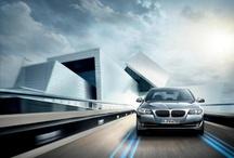 Yeni BMW ActiveHybrid 5 / Üstün çevikliği ve eşsiz tasarımıyla BMW ActiveHybrid 5, güç ve zarafet ile verimlilik ve dinamizmin ideal bileşimini aynı anda sunuyor. Bir hibrit otomobili sürmenin en keyifli yanı 40kW elektrikli motora ve BMW TwinPower Turbo teknolojisine sahip olmasıdır ;)