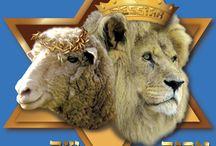 The Lion nadchodzi jego jagnięciny