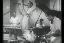 1930s Music / Collection of vintage video clips featuring music of the 1930s.