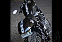 Bilar och motorcyklar
