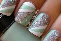 Metallic Nails / Metallic nails, glitter nail art, chrome nails
