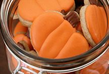 Halloween Party Foods / Inspiration for my annual Halloween Party. / by Janice M. Brown