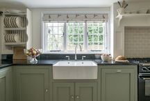 Middleton Country Kitchens / The Middleton Country Kitchen is a traditional timeless style. With cabinetry that becomes part of the heritage of your home.