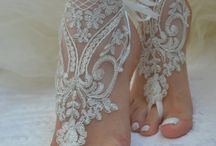 Wedding Shoes & Accessories / We loves these ideas!