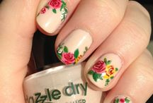 Vintage Flowers Nail Art (my daughter would love this!)
