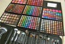 I Love Makeup!   / Tutuorials/Applications/Inspiraions / by ღLizette Bღ