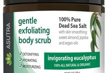 Organic Body Scrubs / Get that silky, smooth celebrity glow:  Stars aren't born with perfect skin - they exfoliate!  Our body scrubs are packed with Aloe Vera and proven skin smoothing oils of Jojoba, Argan and Sweet Almond that NOURISH & PAMPER your skin.  As you buff away, these ultra-hydrating oils rich in moisturizers penetrate your skin leaving it feeling amazingly soft, smooth and RADIANTLY BEAUTIFUL!