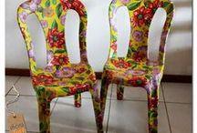 cadeira plástica com forro de chita