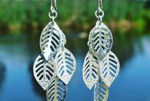 Lange zilveren oorbellen / Prachtige zilveren oorbellen