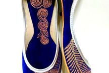 Women Punjabi Jutti / Girls wear them with formal salwar kameezes, sarees and even with jeans, short tops, kurtis, etc. Apart from giving a perfect finish to the feet, juttis are also light-weight, comfortable and easy to carry.