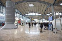 Areca Airport / Areca es el Hotel de calidad más cercano al Aeropuerto de Alicante, a tan solo 2 kilómetros. Alicante como ciudad de Negocios, tiene en Areca un punto de encuentro para aquellas reuniones de tránsito cercanas al entorno Aeropuerto, así como el lugar ideal para el descanso de pilotos, tripulaciones y personal del Aeropuerto de Alicante.