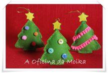Enfeites natalícios / O Natal está a chegar  OH OH OH E os enfeites na árvore vou colocar OH OH OH Para bonita ficar na Oficina da Moika vou comprar OH OH OH  :)  Para mais informações: mensagem privada ou aoficinadamoika@gmail.com
