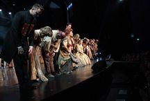 70 LAT TEATRU MUZYCZNEGO W ŁODZI - KONCERT (fot. Krzysztof Ostanówko) / 26 i 27 września 2015r. Teatr Muzyczny w Łodzi świętował swoje 70 urodziny. Zespół przygotował na tę niezwykłą uroczystość wiele muzycznych niespodzianek i atrakcji. Koncert został podzielony na dwie części - w pierwszej można było usłyszeć znane i lubiane utwory operetkowe i musicalowe w nowych, odświeżonych aranżacjach, w części natomiast – plany i marzenia muzyczne.