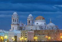 Reisgids Cadiz & Costa de la Luz / Al het moois van de regio Cádiz, steden, stranden, witte dorpjes, bergen. Flamenco & Sherry, Surf & Dolfijnen. We geven je al onze geheimtips!