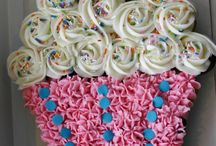 cupcake cakes / Inspiration and ideas for creating fabulous cupcake cakes. Great for your next party!
