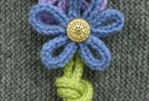 BROOCHES: crochet & knit
